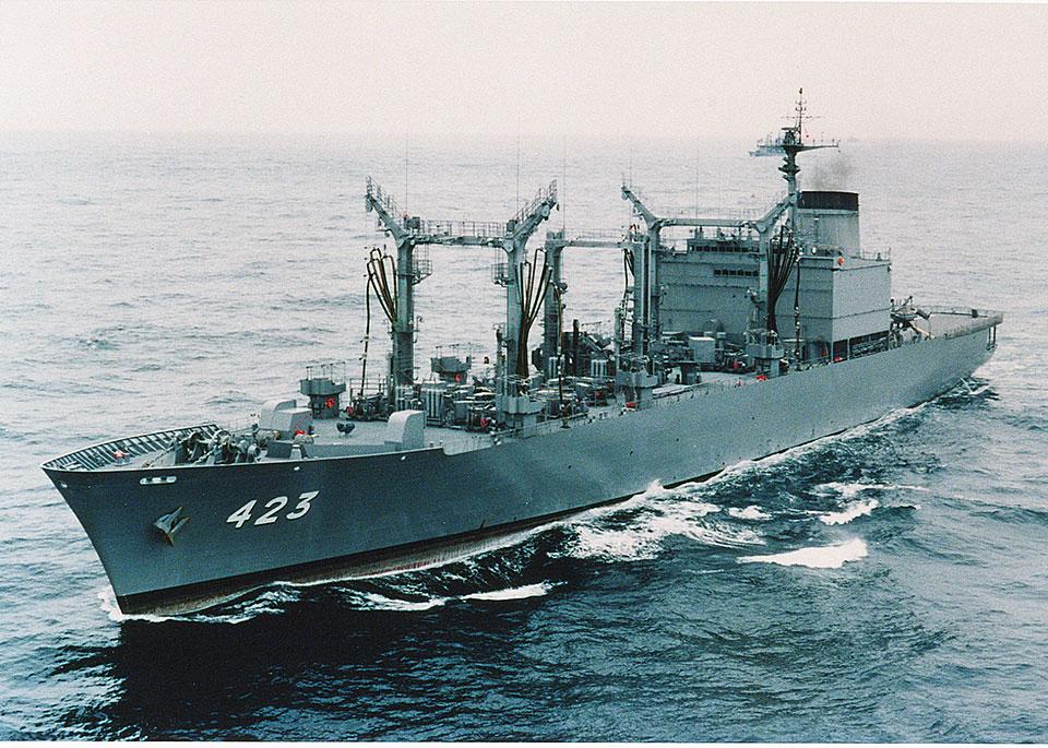 海上自衛隊 補給艦「ときわ」一般公開 画像